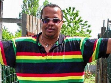 Au cours du réveillon de la Saint-Sylvestre 2010-2011, Claudy Elisor, père de famille de 33 ans, avait été lynché à mort par plusieurs inconnus qui avaient voulu s'introduire dans une soirée privée, au Blanc-Mesnil (Seine-Saint-Denis).