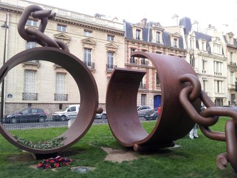 Fer, place du général Catroux, Paris