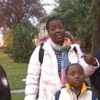 Un inconnu offre un an de loyer à une mère SDF